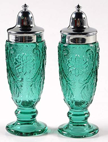 - SPRUCE GREEN Tiara Exclusives SANDWICH GLASS SALT PEPPER SHAKERS Mint in Box
