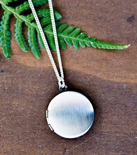 Small Round Locket Necklace 3/4
