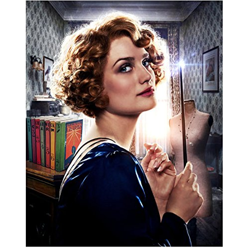 Fantastic Beasts and Where to Find Them (2016) 8 inch x10 inch Photo Alison Sudol in Blue Dress Holding Wand in Front of Face Eyes Looking Right kn