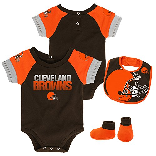 Outerstuff NFL NFL Cleveland Browns Newborn & Infant 50 Yard Dash Bodysuit, Bib & Bootie Set Brown Suede, 24 Months
