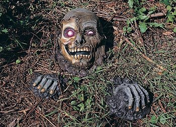 Rubie's Costume Grave Evader Full Skull with Two Hands Yard Décor -