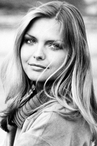 michelle pfeiffer 24x36 poster cute pose 1980 at amazon s
