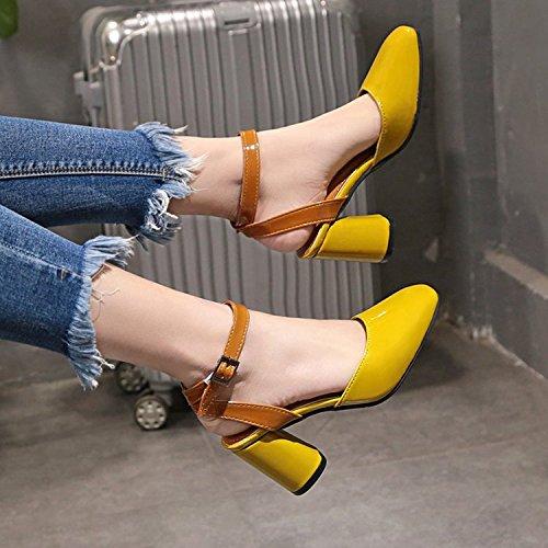 Xue Qiqi Señoras Sandalias versátil y Elegante Hebilla ranurada Baotou Gruesas con los Zapatos de Tacón Alto Zapatos Romano Amarillo