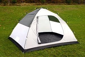 adolescent qui dorment dans une tente de camping