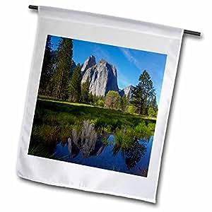 Danita Delimont–Yosemite–rocas de la Catedral, Yosemite, California, Estados Unidos–banderas