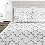 quilt double bed - Italian Luxury Clover Pattern Duvet Cover Set - 3-Piece Ultra Soft Double Brushed Microfiber Printed Cover with Shams - Twin/TwinXL - White/Light Gray