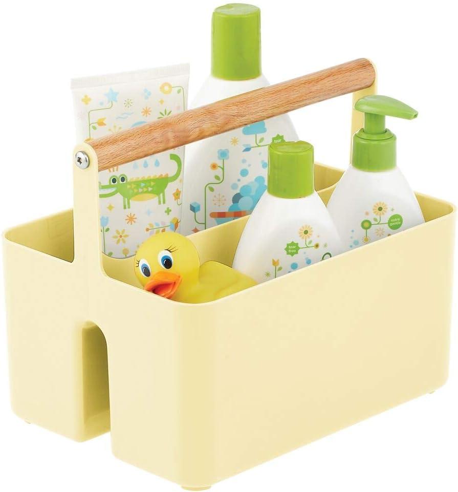 mDesign Cesta con asa para el cuarto del bebé – Caja organizadora de plástico sin BPA con asa de madera para biberón, pañales y más – Organizador de juguetes portátil con 2 apartados – amarillo claro