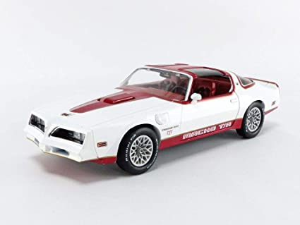 Greenlight 19081 Artisan Collection White and Red 1//18 Scale 1978 Pontiac Firebird Macho Trans Am #171 of 204 by Mecham Design