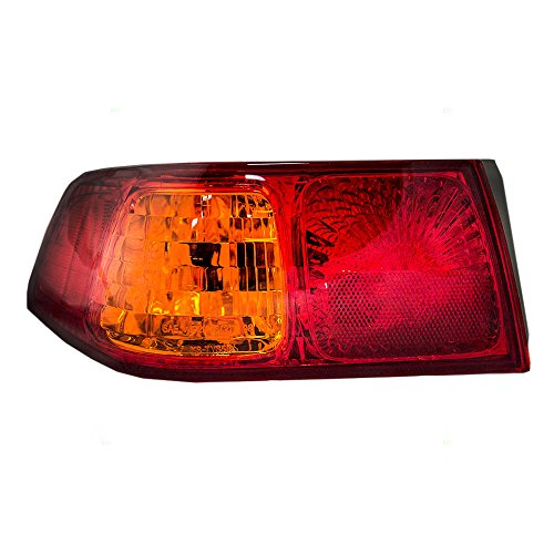 (Drivers Taillight Quarter Panel Mounted Tail Lamp Replacement for Toyota 81560AA030 AutoAndArt)