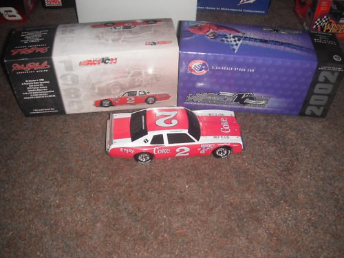 1/24th Scale Black Window Car Bank BWB Dale Earnhardt Sr #2 Coca Cola Coke Ventura Action Racing Collectables Historical Legendary Series Edition 2002 Issue Hood, Trunk Opens Car Finished 2nd at Charlotte on 4 October 1980 Only 4044 Made ()