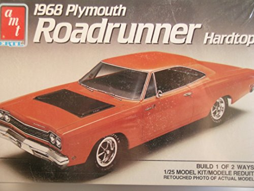 (AMT---1968 Plymouth Roadrunner--Plastic Model Kit)