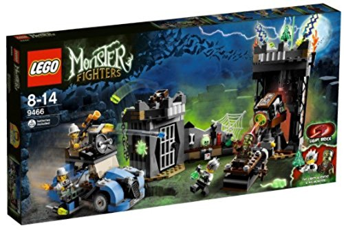 LEGO® Monster Fighters The Mad Professor & His Monster.