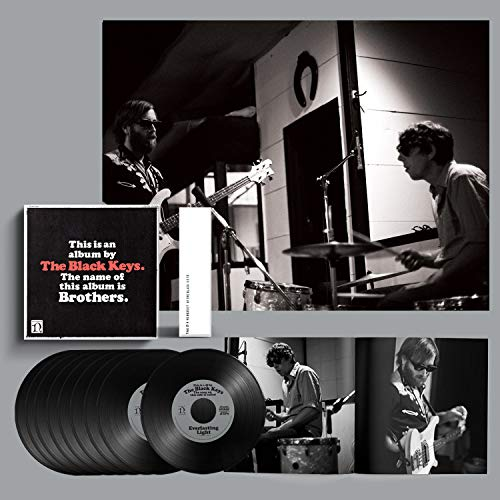 "The Black Keys - Brothers Box: 9 Singles Vinilo 7"" + Libro 60 Páginas: The Black Keys, The Black Keys: Amazon.es: Música"