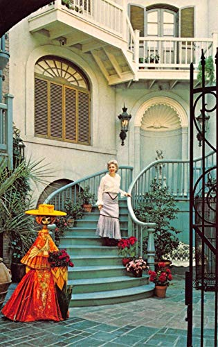 Disneyland Postcard Le Grand Courtyard New Orleans Square~122175