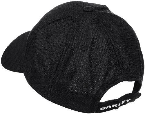 5b8760f79d9 Amazon.com  Oakley Men s Golf Ellipse Hat