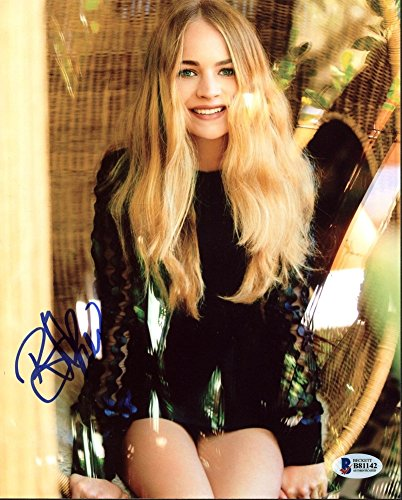 Britt Robertson Sexy Autographed 8x10 Photo Signed - Beckett Authentic - Robertson Signed Photo