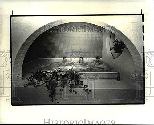 Vintage Photos 1983 Press Photo Athletic Club at Former Medical Mutual Building - cva84432 - Historic Images ()