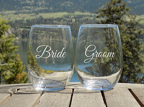 Bride and Groom Glasses, Wedding Table Decor, Set of 2 Wine Glasses Engraved