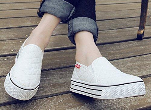 Aisun Damen Klassisch Canvas Flach Plateau Low Top Fashion Sneakers Weiß