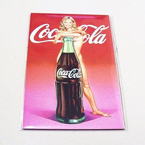 Agilidad de chica sexy y una botella de Coca Cola Coleccionable de ...