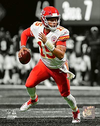 Kansas City Chiefs Patrick Mahomes 8x10 Spotlight Photo, Picture