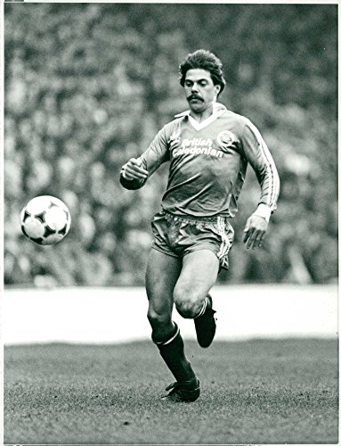 Vintage photo of English footballer Peter Ward, Brighton & Hove Albion F.C. (Collection Hove)