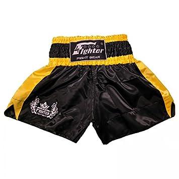 4Fighter Muay Thai Shorts Classic schwarz-rot Tribal Logo am Bein