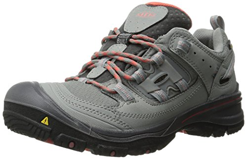 KEEN Women's Logan Outdoor Shoe, Neutral Gray/Hot Coral, 6 M - Logan B