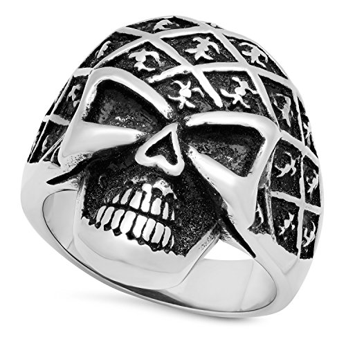 The Bling Factory Stainless Steel Skull w/Fleur-de-Lis Pattern Ring, Size 7 + Microfiber Jewelry Polishing Cloth