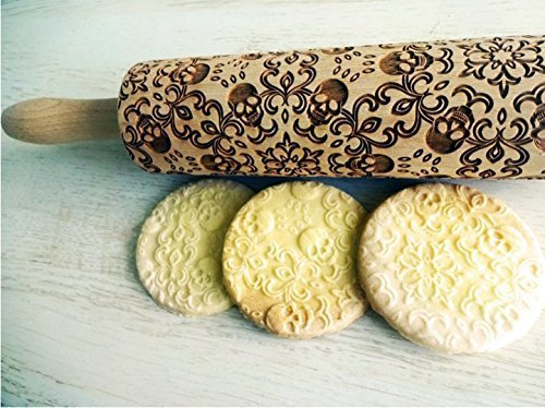 Embossing Rolling Pin SKULL WREATH. Pattern with skulls. Spooky. Laser engraved rolling pin. Death's-head. Halloween. Sugar skull.Halloween -
