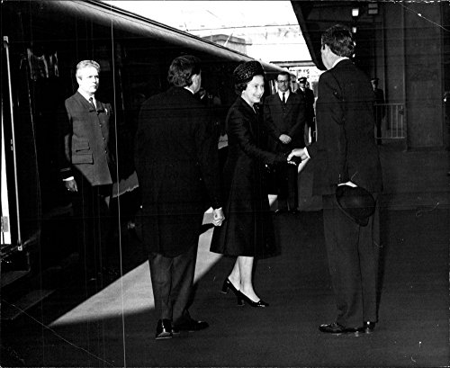 Euston Station - Vintage photo of Queen Elizabeth arrives at Euston Station to attend Lord Mountbatten39;s funeral