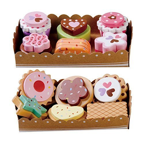 Bee Smart - Wooden Toy - Tea Party Wooden Cakes and Wooden Biscuits Set Pretend Play Food with Selection Cards and Sturdy Cardboard Serving Trays [並行輸入品]   B077Y4XMZ7