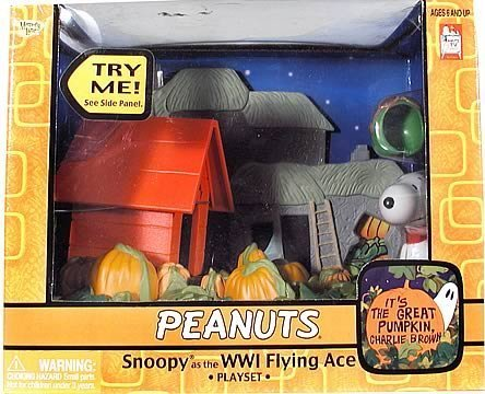 Peanuts Snoopy WWI Flying Ace Pilot Great Pumpkin Playset