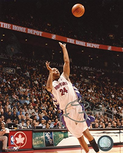 0237a3eb25e Autographed Morris Peterson Photo - 8x10 W coa - Autographed NBA ...