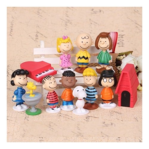 RSG Peanuts Charlie Brown Snoopy Playset 12 Figure Cake Topper Toy Set -