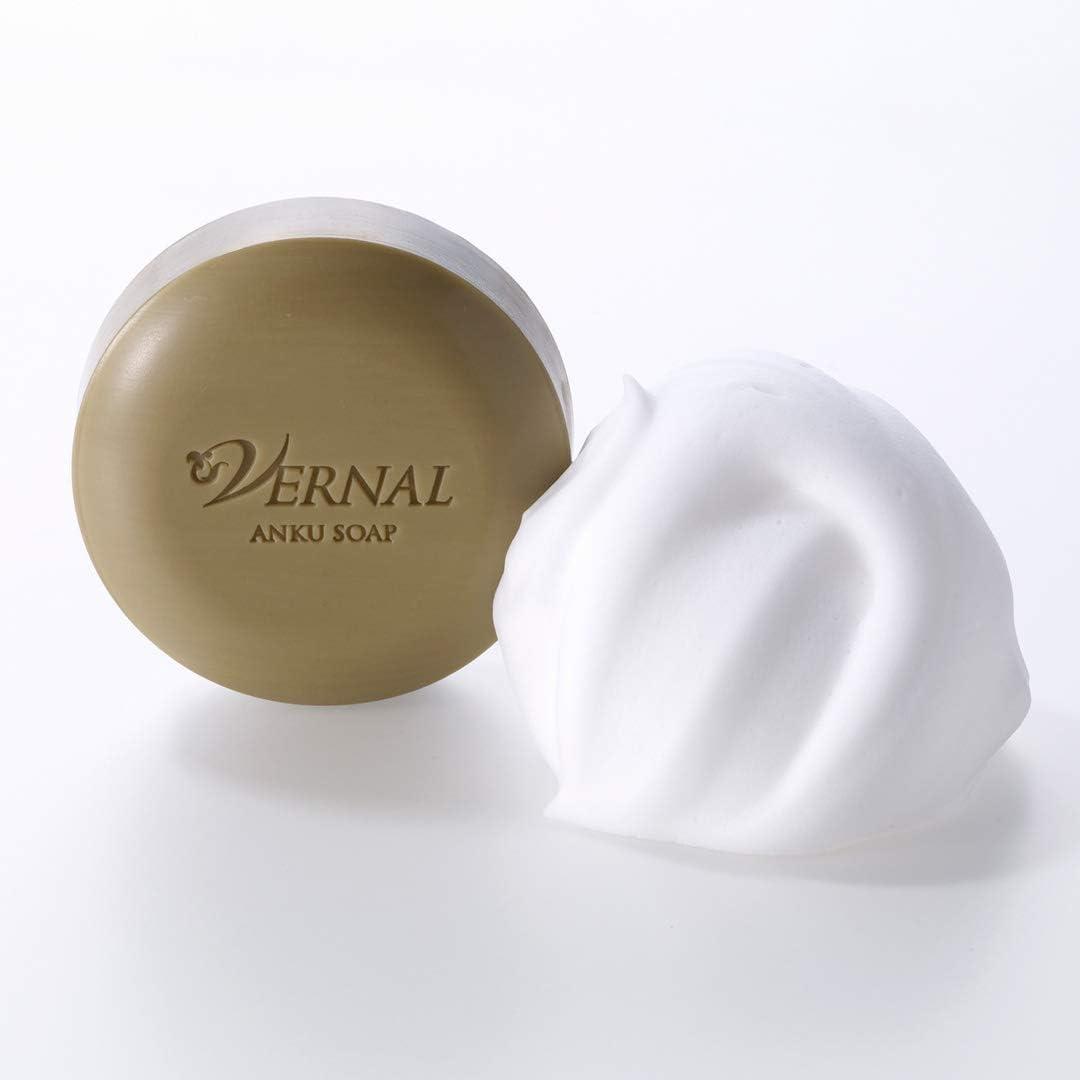 ヴァーナルの洗顔石鹸と泡
