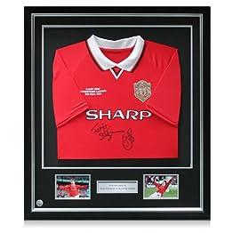 Luxe Encadrée Teddy Sheringham et Ole Gunnar Solskjaer Signé 1999 Manchester United Ligue des Champions maillot avec de l'argent Inlay