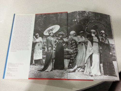 Fashion: A History from the 18th to the 20th Century (Collection from the Kyoto Costume (Costume History 20th Century)