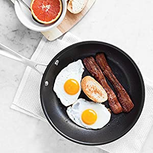Nonstick Frying Pan - American Kitchen - Premium Nonstick Frying Pan - PFOA-Free Nonstick Surface -Tri-Ply Construction - Stay-Cool Riveted Handle