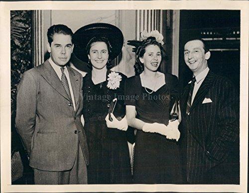 1942 Photo Pedro Lopez Michelsen Margarita Baena Doctor Alfredo Lozano NY