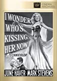 I Wonder Who's Kissing Her Now poster thumbnail