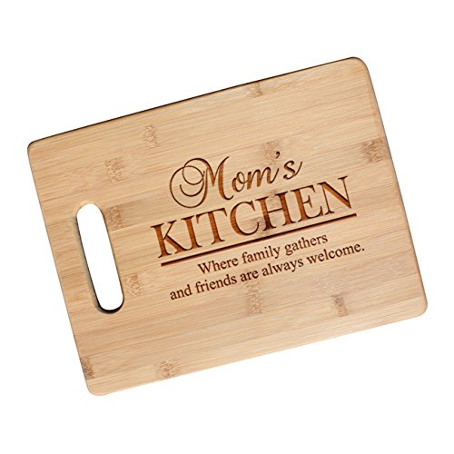 amazon com mom s kitchen engraved bamboo wood cutting board