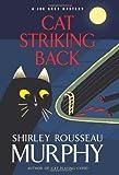 Cat Striking Back: A Joe Grey Mystery (Joe Grey Mysteries)