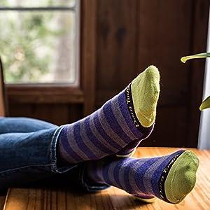 Darn Tough Good Witch Light Sock - Women's Clarissa Cranberry Large,Clarissa Cranberry