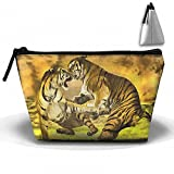 Tiger Catch Wrestling Cosmetic Bags Portable Travel Toiletry Pouch Makeup Organizer Bag With Zipper