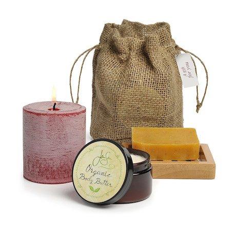 Jensan 4-piece Pillar Candle and Organic Bath and Body Gift Bag Set (Tropical)