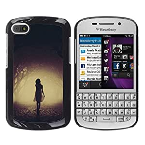 iKiki Tech / Estuche rígido - Mysterious Dark Girl Scary Halloween - BlackBerry Q10