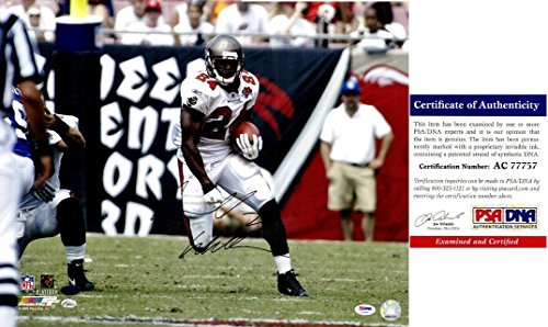 Cadillac Williams Carnell Williams Signed - Autographed Tampa Bay Buccaneers - Tampa Bay Bucs 16x20 inch Photo - PSA/DNA Certificate of Authenticity (COA) - Cadillac Williams Autographed Photo