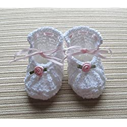 Knitting Pattern White Knit Shoes for a Baby Girl 0-3 Months