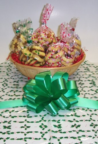 Butter Cookie Lovers Basket with no Handle Holly Wrapping ()